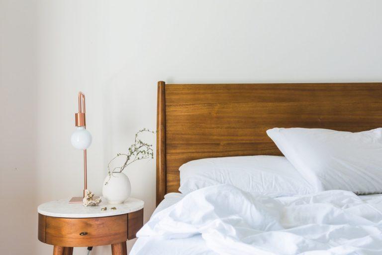 4 sposoby na małą sypialnię